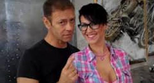 XXX Factor: Rocco Siffredi sul set con la sosia di Arisa [video]